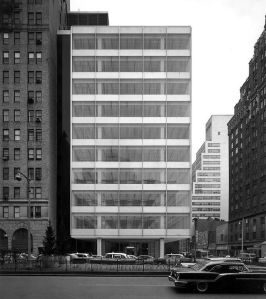 Pepsi Cola World Headquarters, 500 Park Avenue, Manhattan: Natalie de Blois, Senior Designer, Skidmore, Owings & Merrill (SOM). Photo © Ezra Stoller/Esto